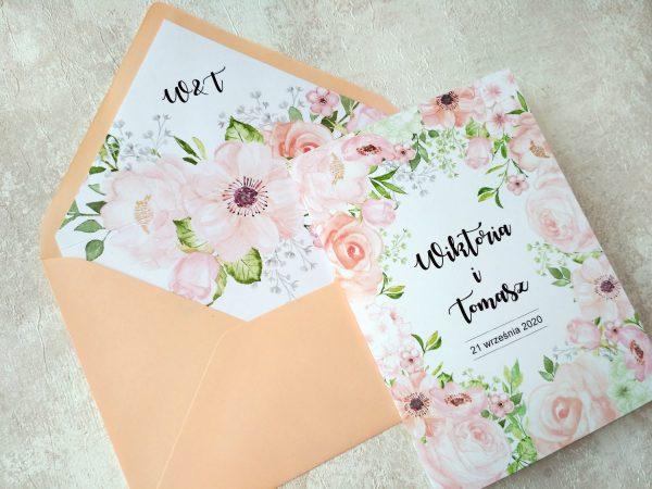 Zaproszenia brzoskwiniowe kwiaty z podklejaną kopertą