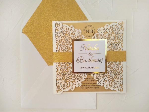 Zaproszenia ślubne ażurowe złocone z brokatem
