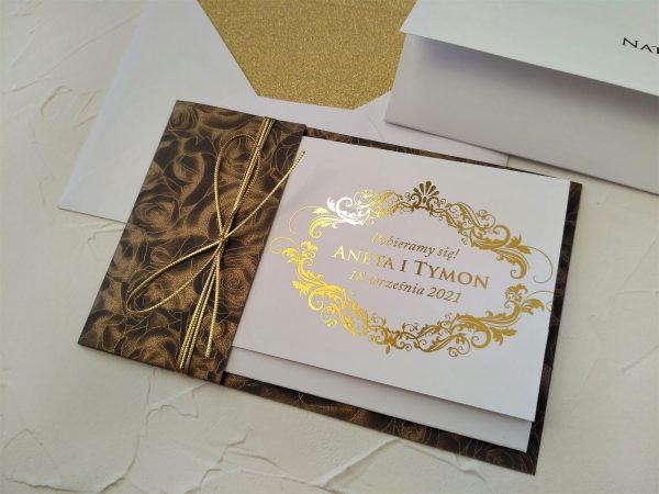 Zaproszenia złocone w etui