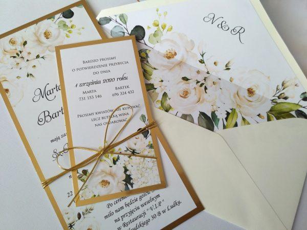 Zaproszenia ślubne z motywem białych róż i złota